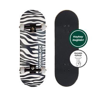 Woodenblack Logo Zebra Fingerboard Complete